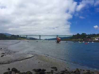 Ría de Arousa e ponte do AVE ao fondo