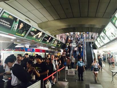 O metro e o seu sistema de vixilancia a raíz dos atentados.