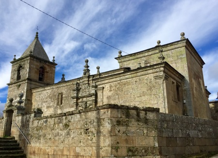 Igrexa de San Miguel de Bidueira