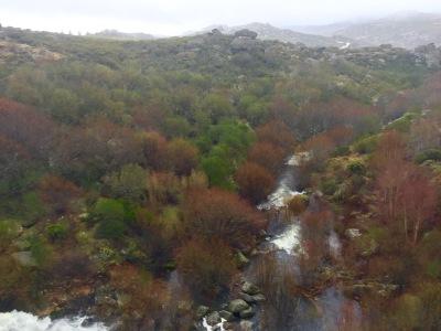 Vistas dende o encoro da Serra Serrada
