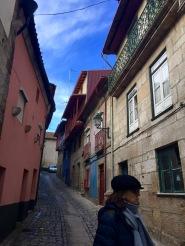 Helena polas rúas de Chaves