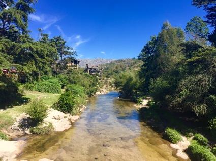Pasando a ponte en La Cumbrecita