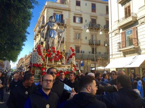 Desfile por sorpresa en Palermo