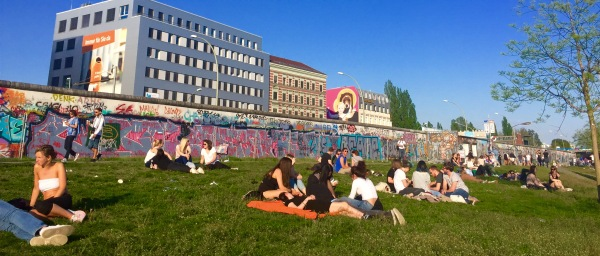 East Side Gallery e tarde de sol