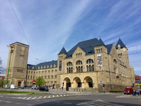 Antigo Castelo do Kaiser e novo Centro Cultural Zamek