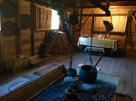 Lar típico das casas chilotas no Museo de la Tradiciones Chonchinas. Evidentemente, moi galego