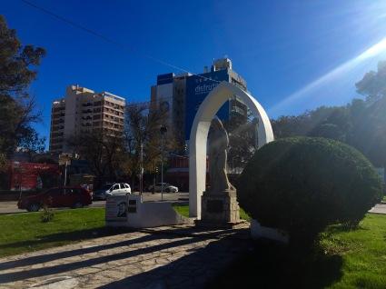 """Monumento á Nai, un dos """"atractivos"""" de Neuquén"""