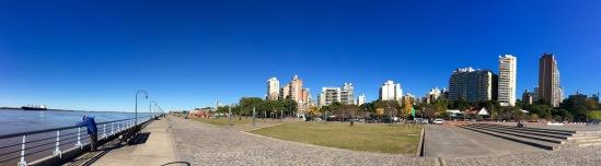 Imaxe de Rosario dende a beira do río Paraná