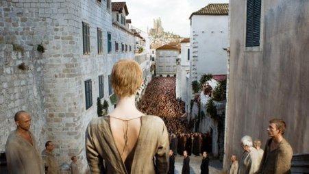 Paseo da Vergoña da Raíña Cersei na tempada 5 de Xogo de Tronos