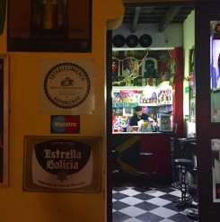 Estrella Galicia nun bar da Plaza de los Novios