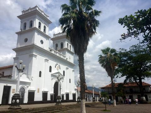 Catedral del Señor de los Mlagros en Girón