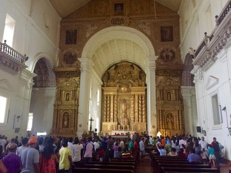 Interior da igrexa de San Francisco Javier