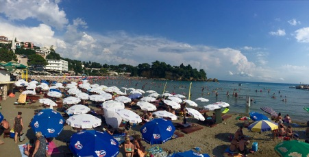 Praia e zona turística de Mala Plaža en Ulcinj